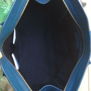 b93acf99ce4 Yves Saint Laurent Bags - Yves Saint Laurent Cabas ChYc/Large Classic Blue